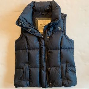 Abercrombie & Fitch down puffer vest navy small